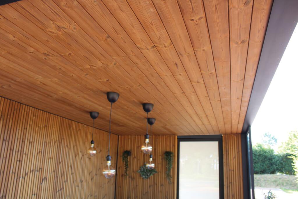 Exterior Living | detail thermowood onderdak